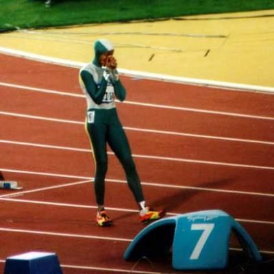 An unforgettable Olympic moment: Cathy Freeman winning gold at the Sydney Olympics 2000. For more unforgettable Olympic moments visit http://www.readersdigest.com.au/unforgettable-olympic-moments Photo credit: Ian- ThePaperboy.com