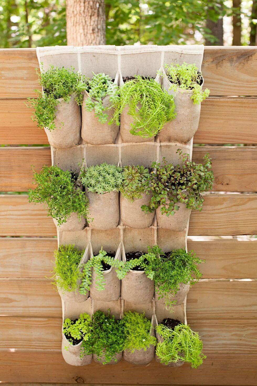 10+ Awesome DIY Vertical Pocket Planter Ideas For Your Garden 2019 #diygardenideas