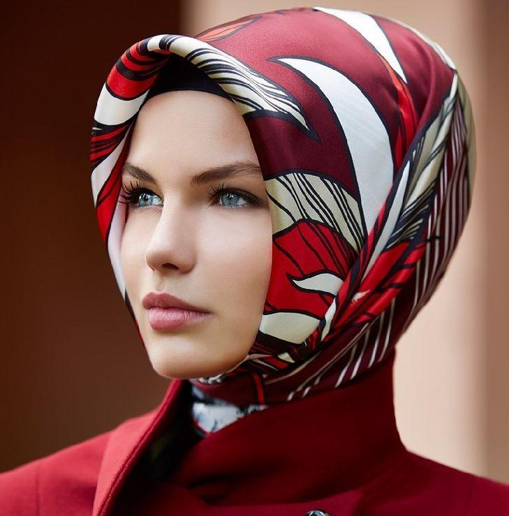 Idée coiffure spécial perte des cheveux, mettre un foulard sur la tête  après cancer. Des conseils pour nouer un foulard pendant sa chimiothérapie. dd03c6142e8