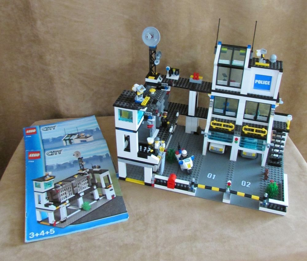 7744 Lego Police Headquarters City Retired Complete Station Minifigs