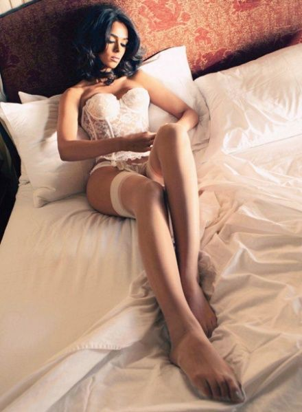 Mallika Sherawat Hot Without Clothes Photos And Wallpaper