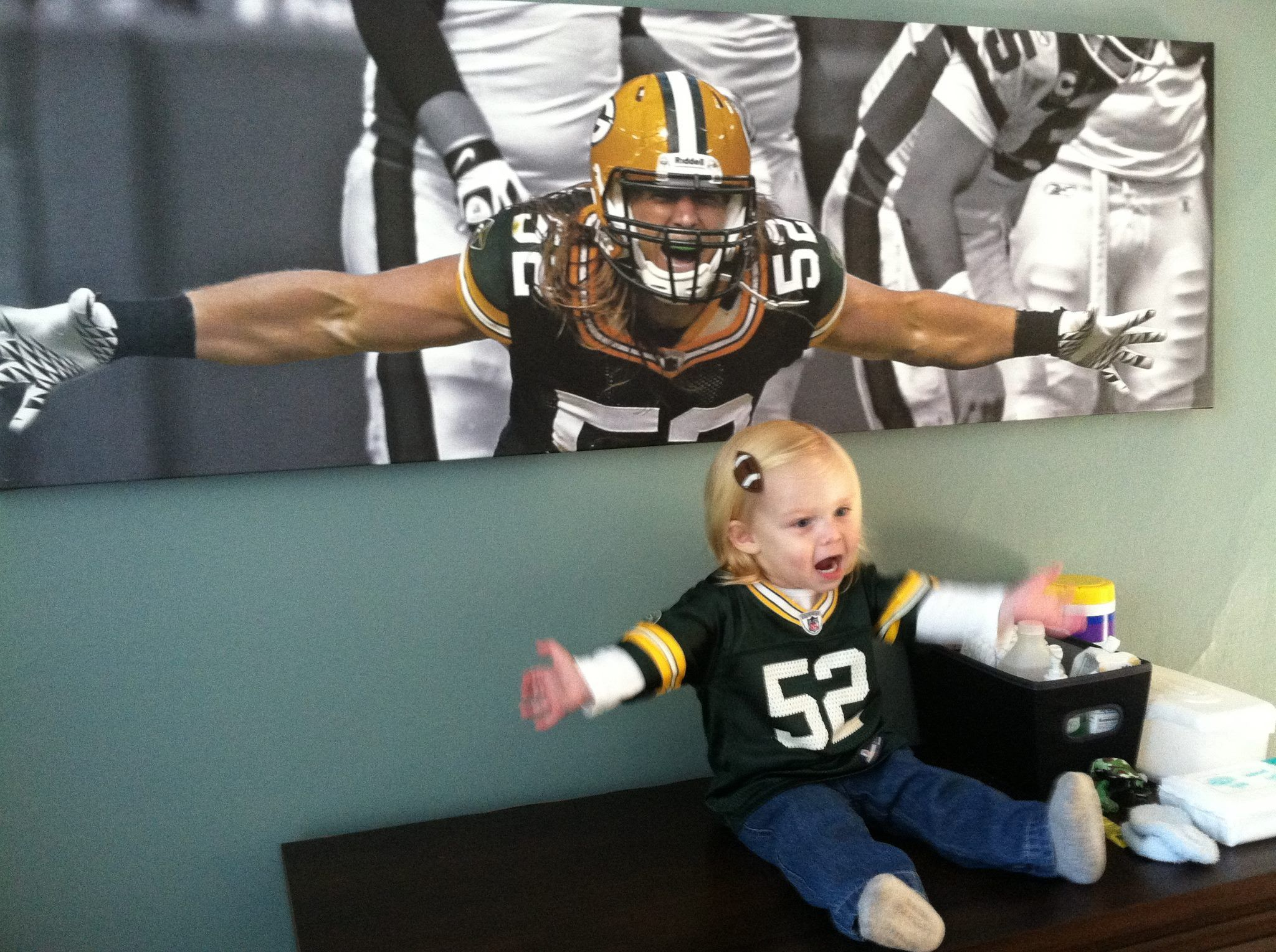 One Of The Cuties Things Green Bay Packers Clay Matthews Packers Baby