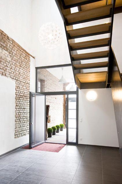 Modern Treppenhaus By W3 Architekten