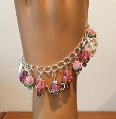 Catherine Teapot Bracelet with China Hearts and Lampwork Flowers - Beaded Bracelets - Roses And Teacups  - 1