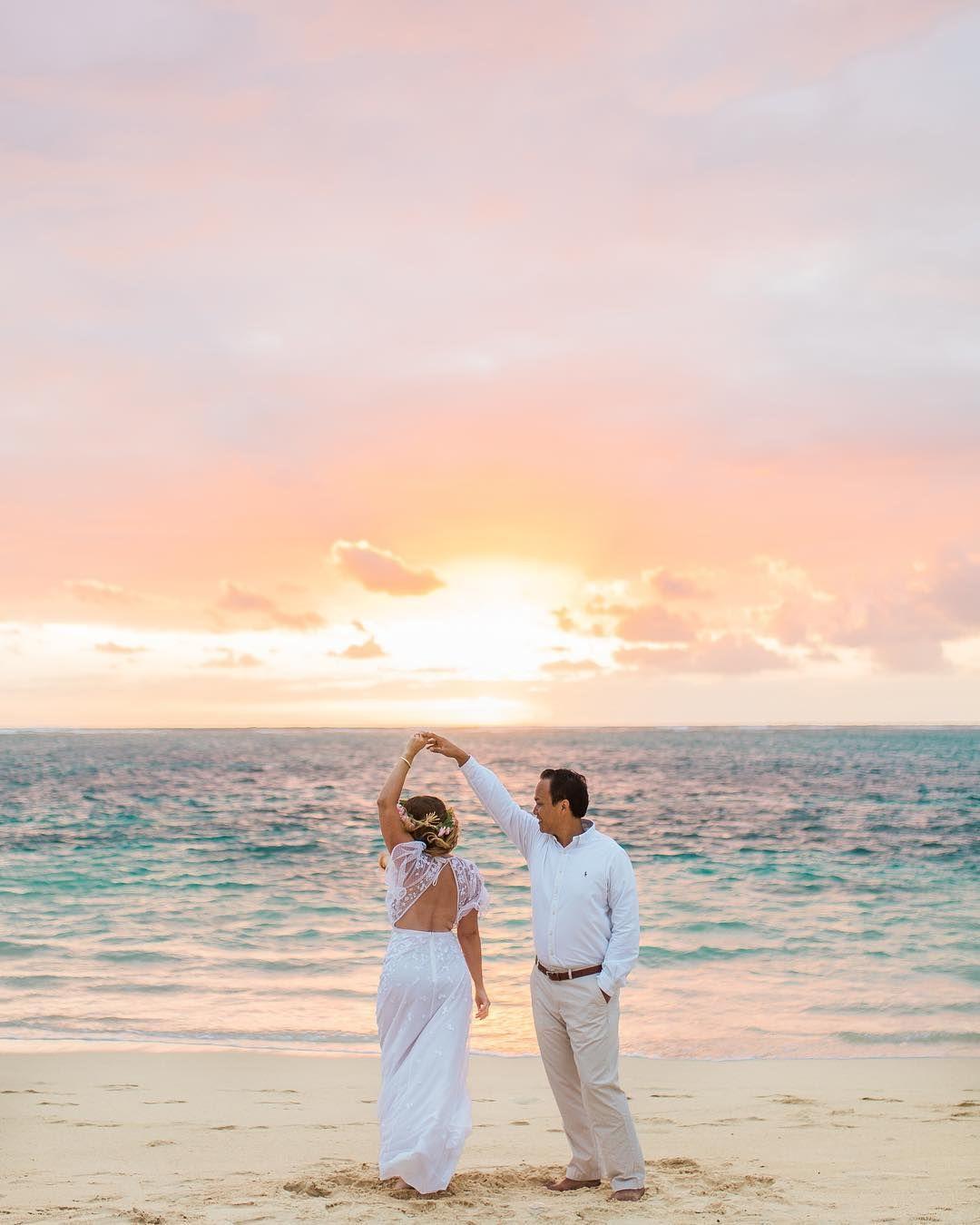 Sunrise beach wedding  Vanessa Hicks on Instagram ucItus never ucfunud getting up at  for