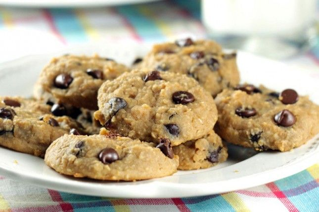I Can't Believe This Healthy Chocolate Chip Cookie