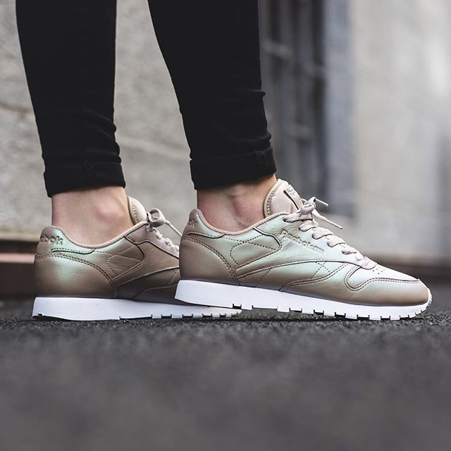 Purchase > pink reebok classic pearlized leather > OFF 57