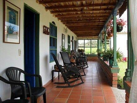 Corredor finca paisa casa paisa colombia casas for Disenos de fincas campestres