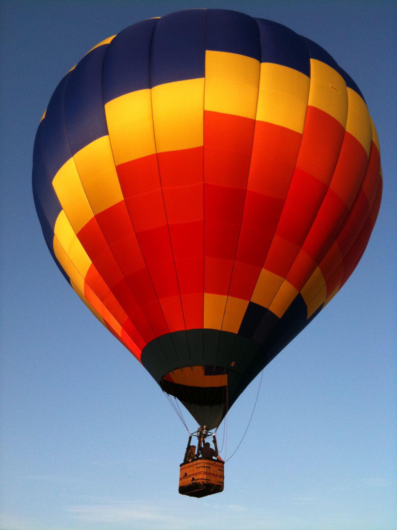 How hot air balloons work howstuffworks, Hot air