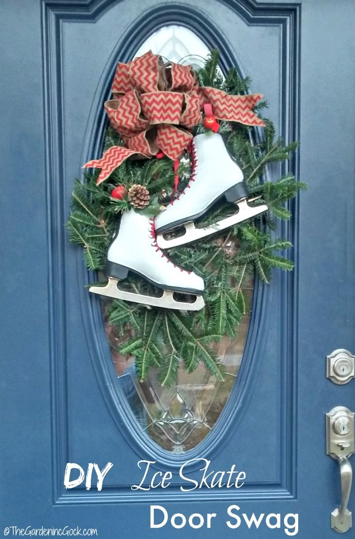 Ordinaire This Festive Ice Skate Swag Looks Perfect On A Front Door With An Oval  Glass Panel