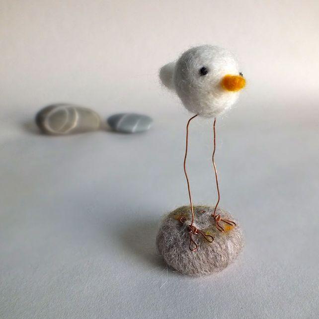 Felt Bird Ornament £6.00.   I LOVE this little birdie, what a sweetie!