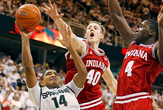 Cody Zeller And Victor Oladipo Defending Versus Michigan State 2 19 13 Victor Oladipo Michigan State College Basketball