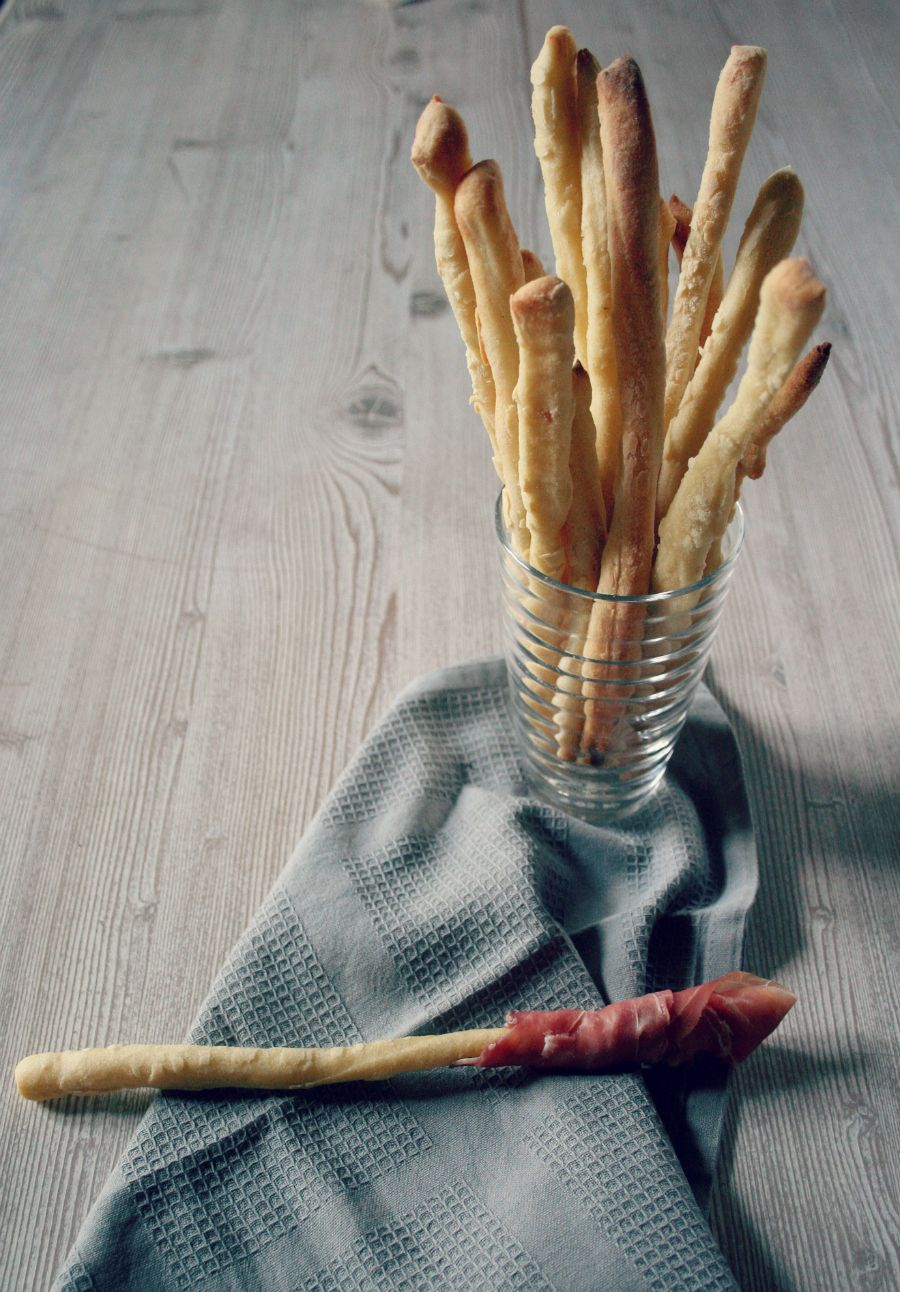 Grissini al parmigiano