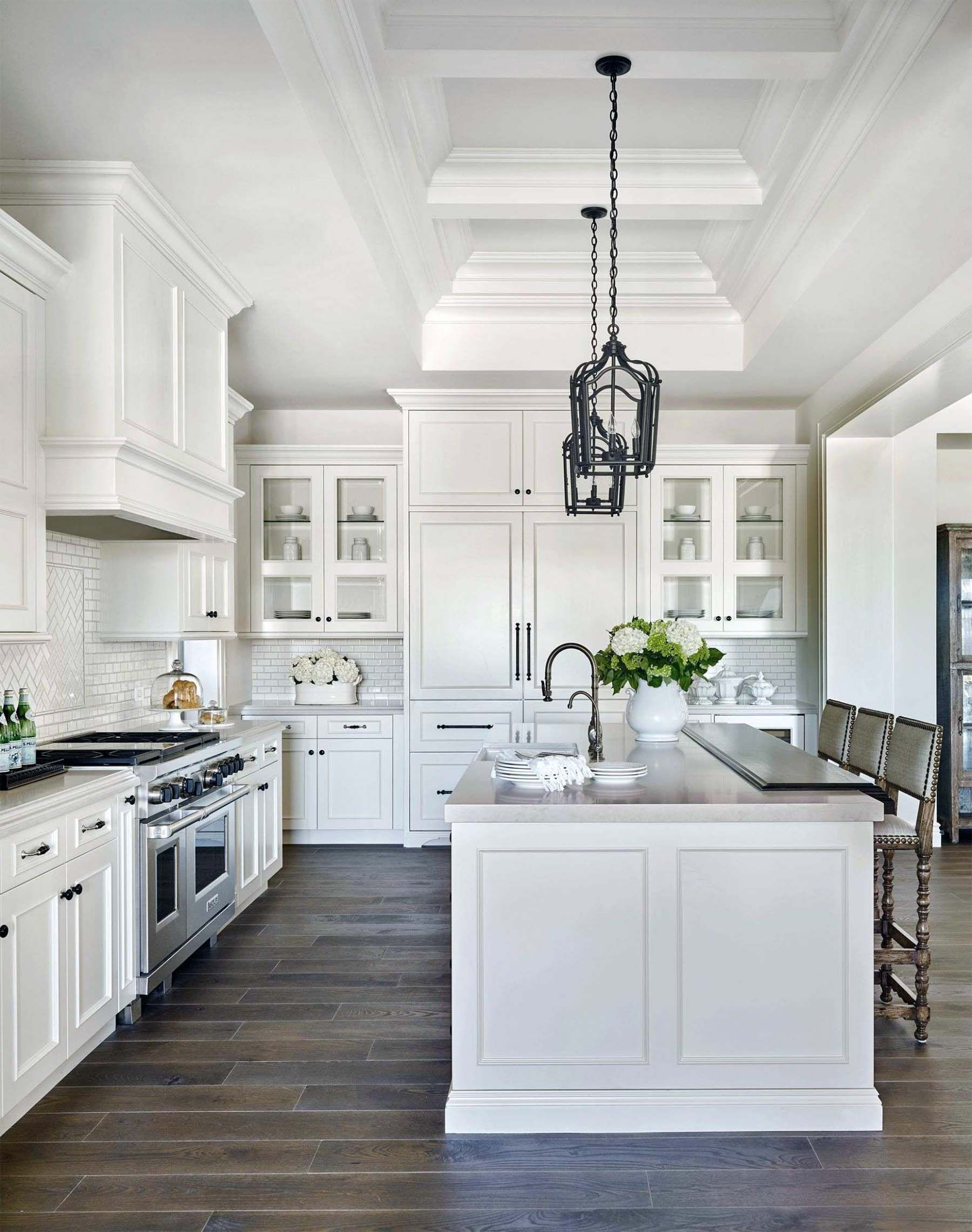 Beautiful Highnend Kitchen With White Cabinets And Coffered Ceiling Farmhouse Kitchen Design Gorgeous White Kitchen White Kitchen Design