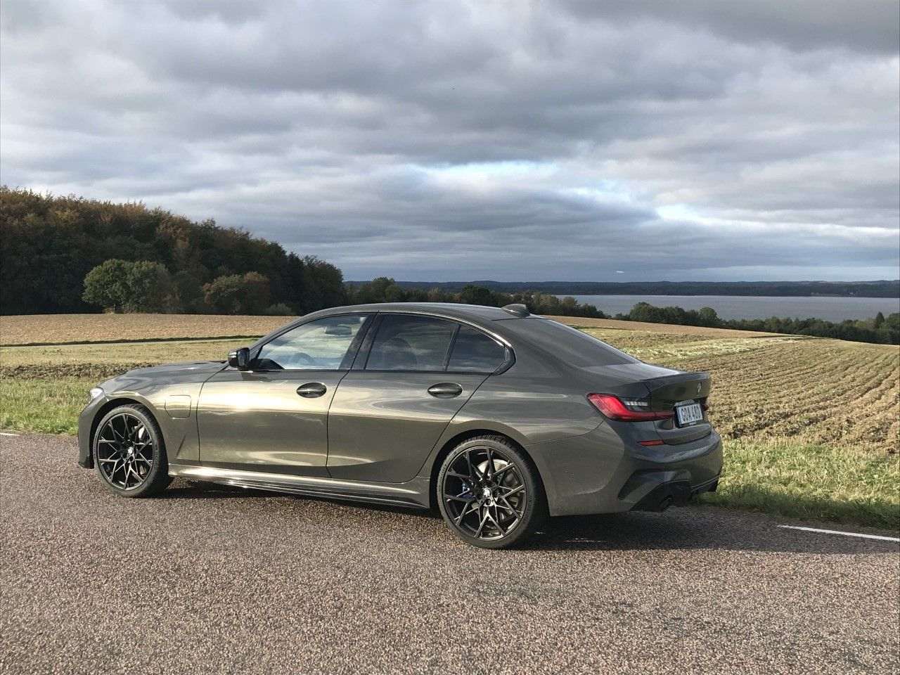 The New Bmw 330e Plug In Hybrid Model Photographed In A Special Combo In 2020 Bmw New Bmw Hybrid Car