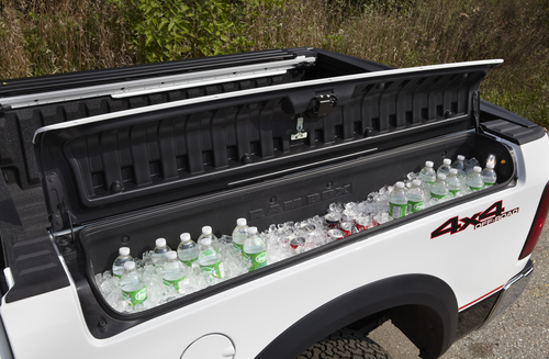 Omg I Want A Built In Cooler On My Future Oversized Jacked Up Truck
