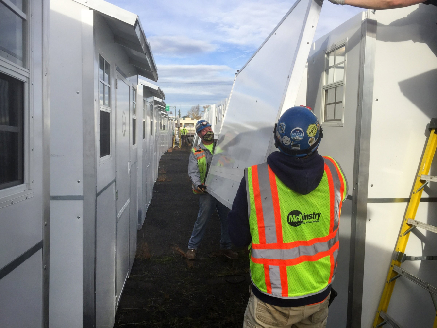 Everett Company S Tiny Homeless Shelters Pop Up In Portland More Cities Across U S Homeless Shelter Homeless Homeless Services