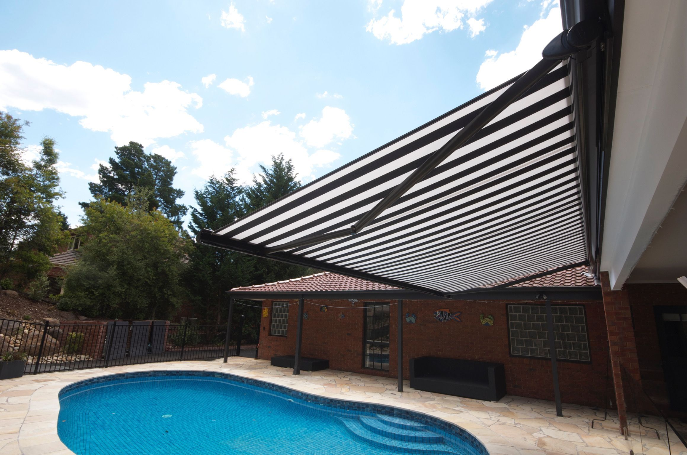 Folding Arm Awnings In Melbourne Outdoor Awnings Outdoor Outdoor Blinds