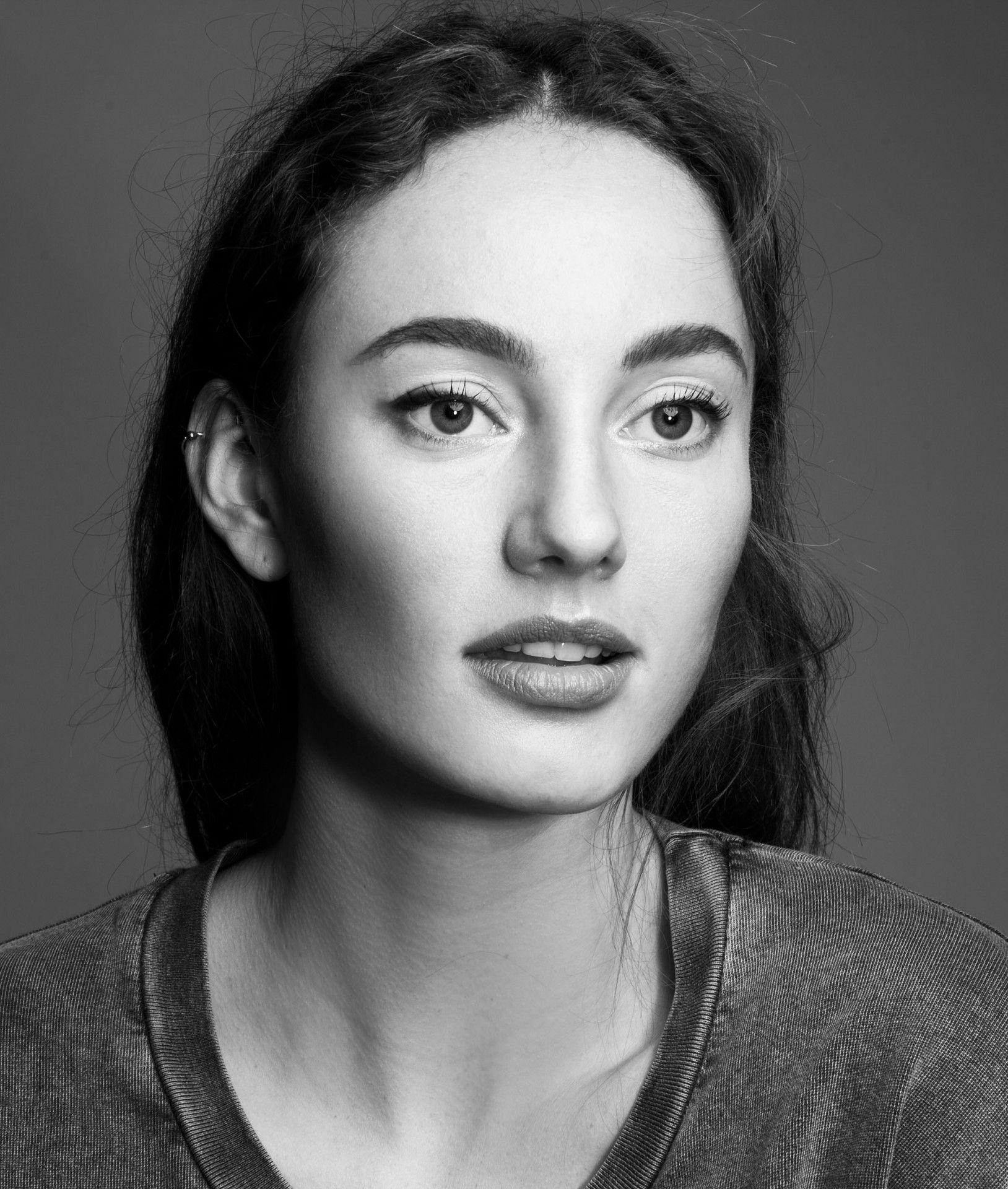 Hair & Make-up: Marije Koelewijn @ Angelique Hoorn Management Photo: Romy Treebusch