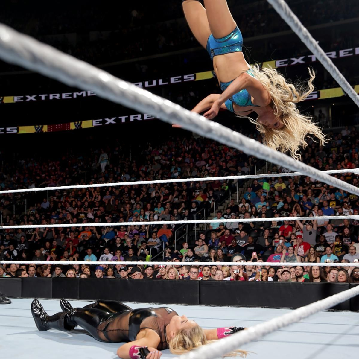 See images of wwe women s champion charlotte s title defense against natalya in a submission match at wwe extreme rules