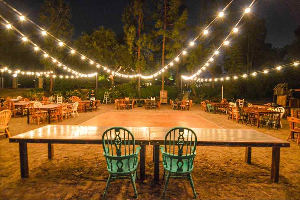 Fancy And Beautiful Rustic Wedding Lights Ideas That You Can Make By Using String  Lights