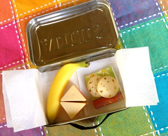 DIY Doll Lunch Box from a Mint Tin - Inner Child Fun #dollaccessories