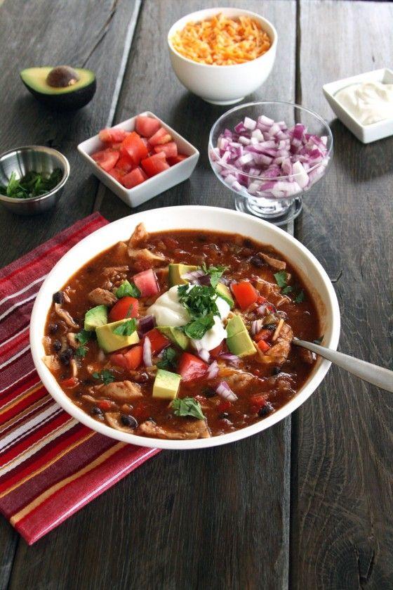 Sopa de tortilla mexicana con pollo.