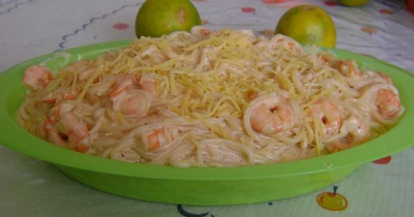 Veja a Deliciosa Receita de Receita de Espaguete de camar�o e requeij�o f�cil da Luciana. É uma Delícia! Confira!