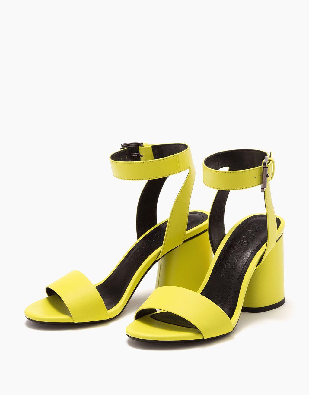 Sandales à talon moyen néon - Nouveautés - Bershka France. Chaussures ...