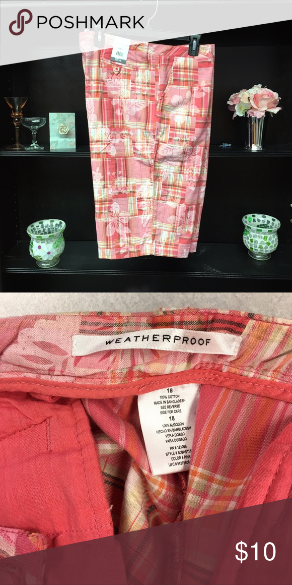 "Floral Shorts *NWT* Weatherproof peach color floral Bermuda shorts. Inseam is 11&1/2"" in excellent condition and from a smoke free home. Weatherproof Shorts Bermudas"