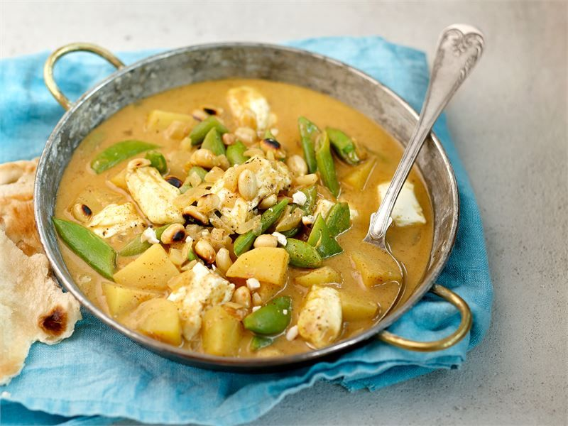 Massaman curry on thaimaalainen lempeän makuinen curry. Sen pääraaka-aineet ovat peruna ja paahdetut maapähkinät. #valioreseptit
