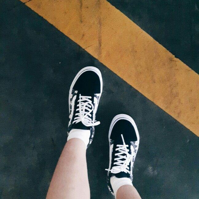 I love shoes. #vans #oldskool #vintage #flower #black