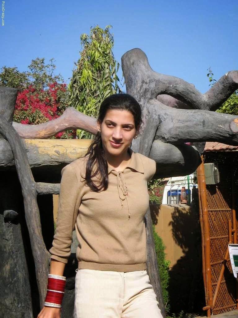 girl-pakistan-girls-nakked-photos-full-figured-women