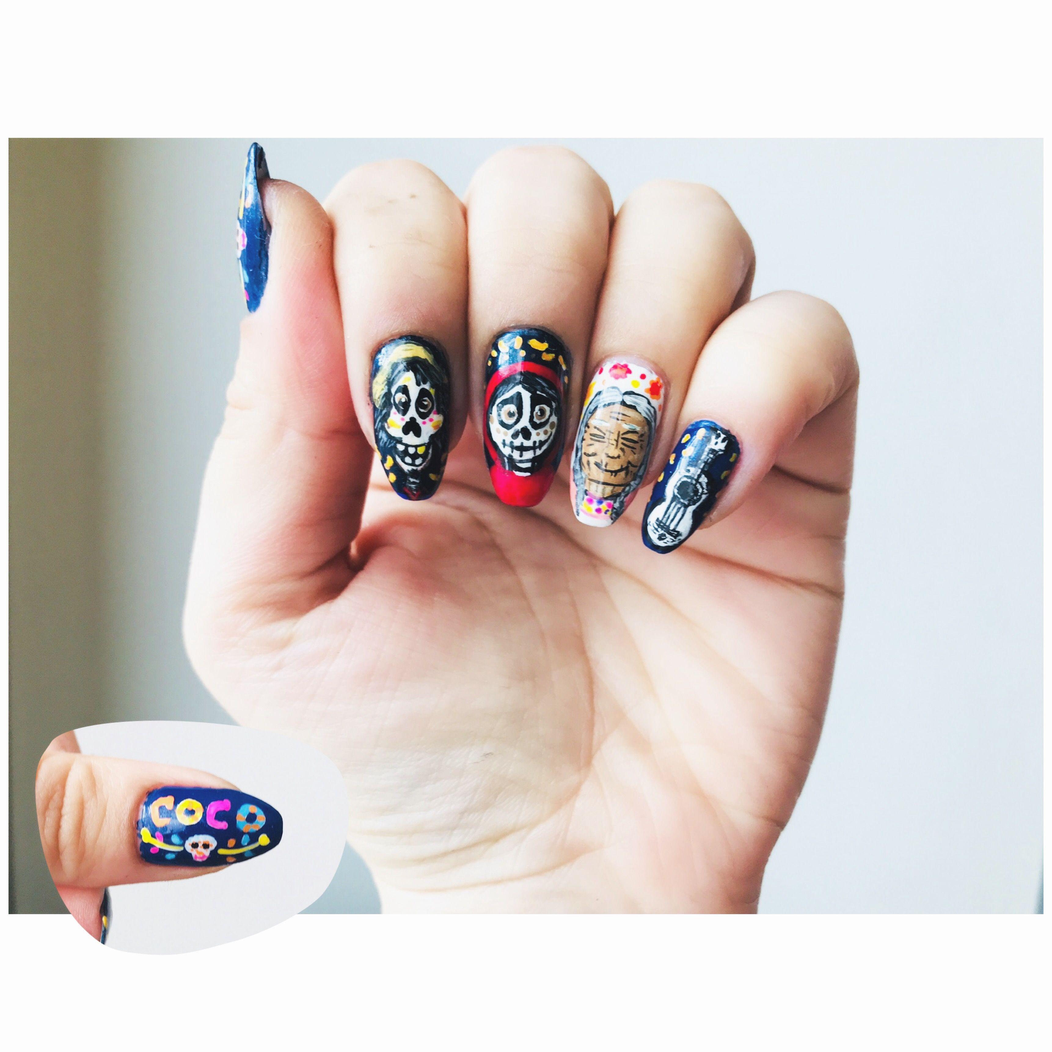 2019 year looks- 35 skull killer nail art designs