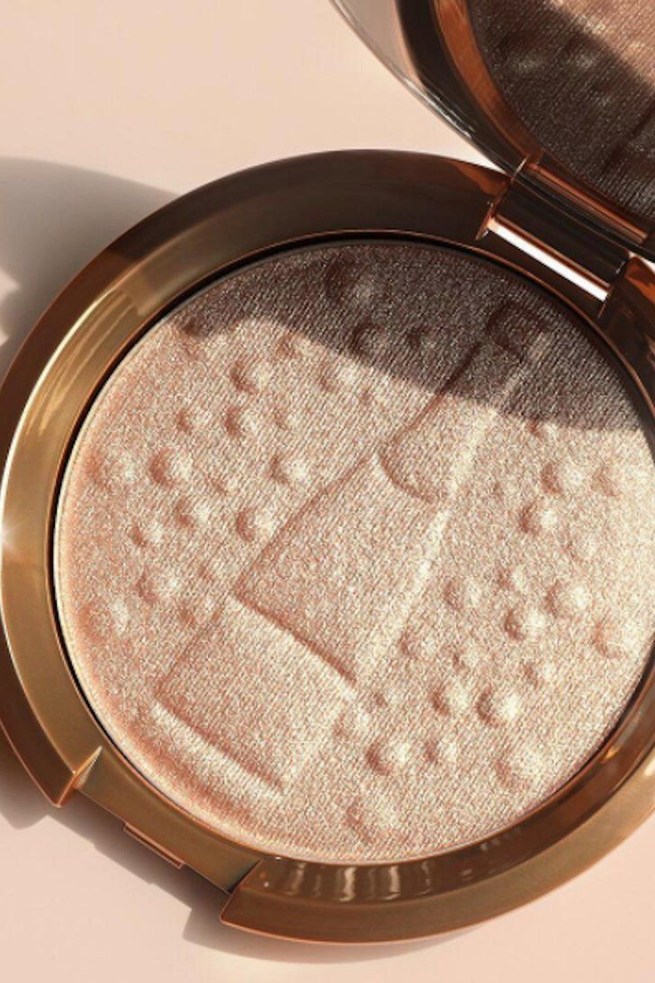 The Bubbly Collector S Edition Of Becca Champagne Pop Is Here And It S Perfect Becca Champagne Champagne Pop Highlighter Makeup