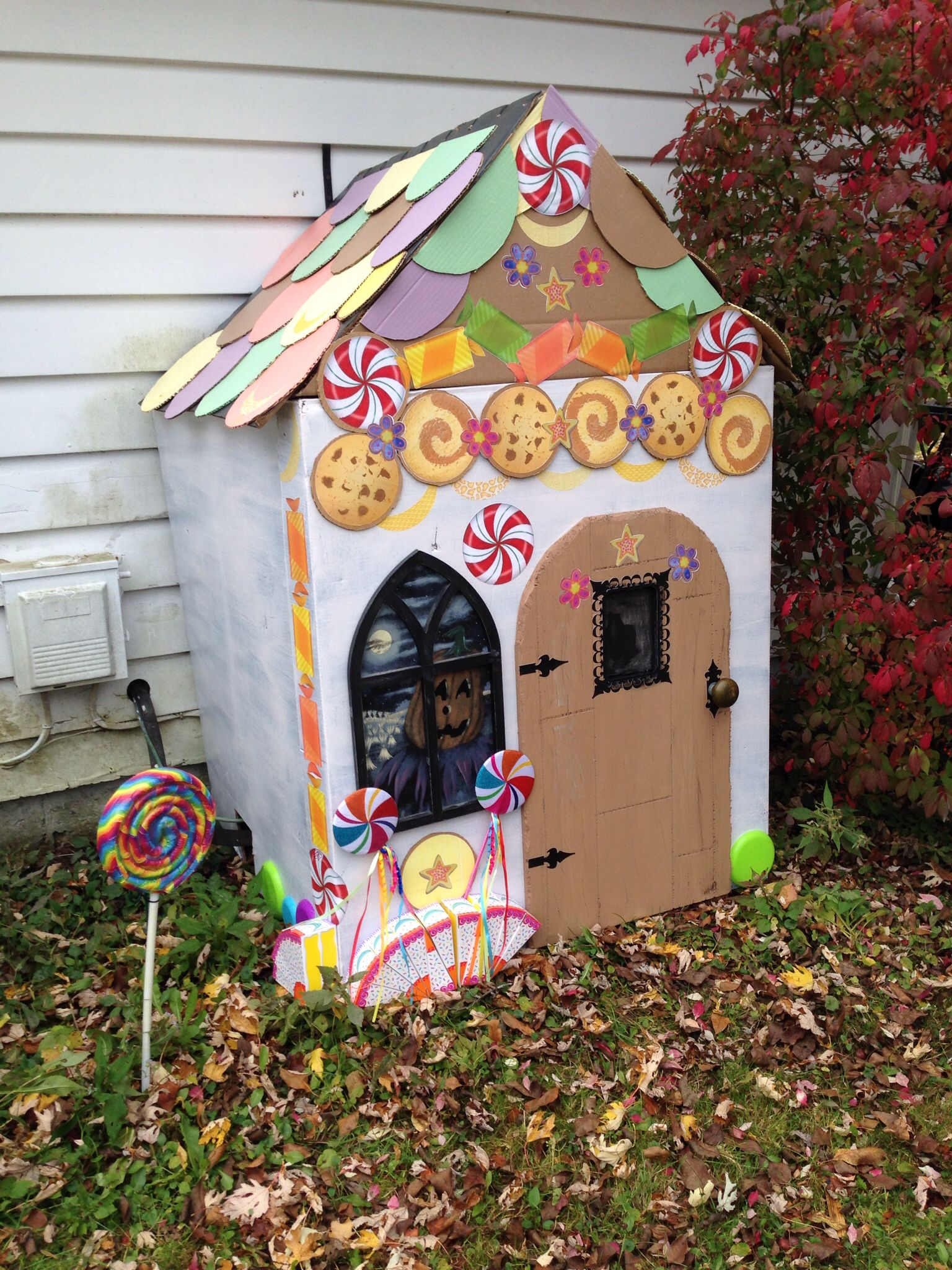 Finished Hansel And Gretel Candy House In Place 10 27 13 Hansel And Gretel House Candy House Halloween Themes