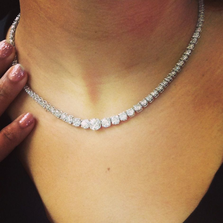 Graduated Diamond Tennis Necklace Set In 14kt White Gold S H Zell And Sons Diamond Necklace Simple Diamond Jewelry Necklace Diamond Necklace Tiffany