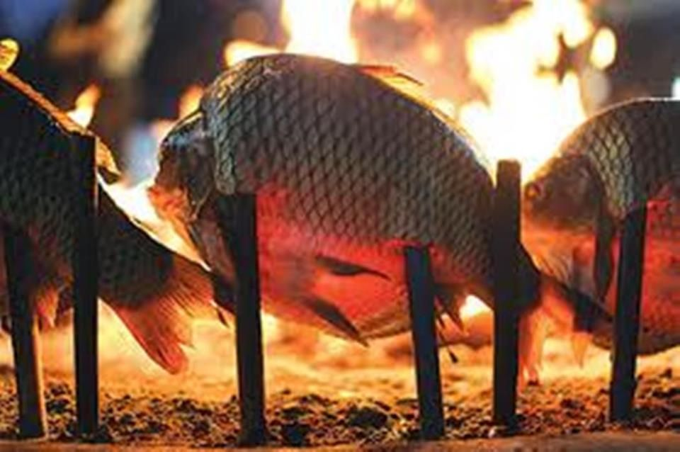 Cooking Fish The Iraqi Way Masguf Grilled Fish Fish How To Cook Fish Fish Pet