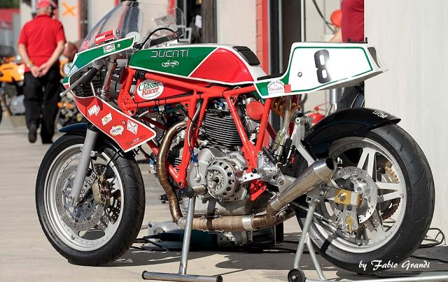 RocketGarage Cafe Racer: Ducati TT