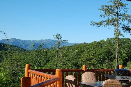 Wears Valley TN Rental Cabins | Smoky Mountain Golden Cabins   Over The  Rainbow
