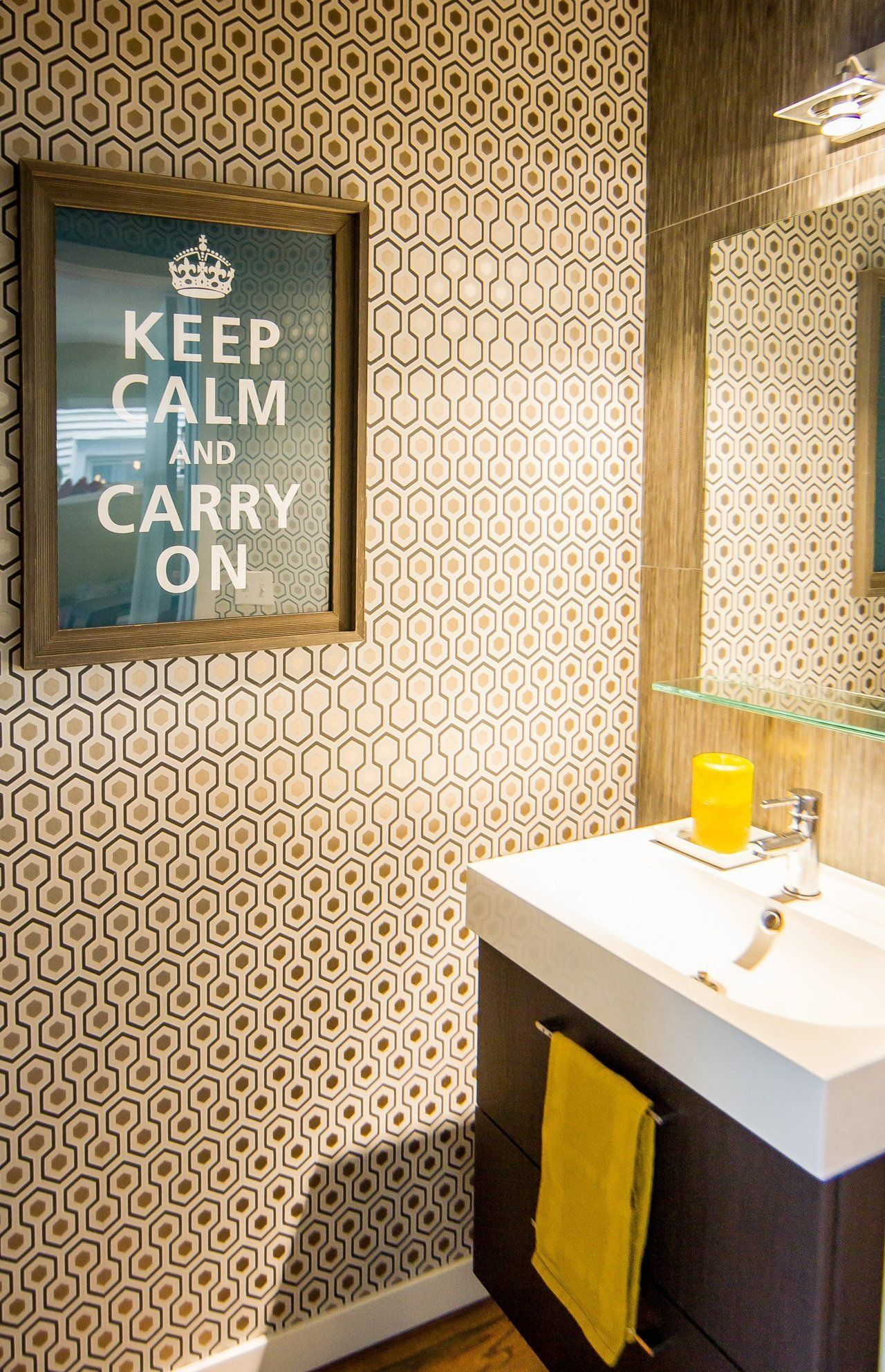 Amy And Todd S Mod Chicago Home Amazing Bathrooms Wallpaper For Small Bathrooms Glamorous Interiors