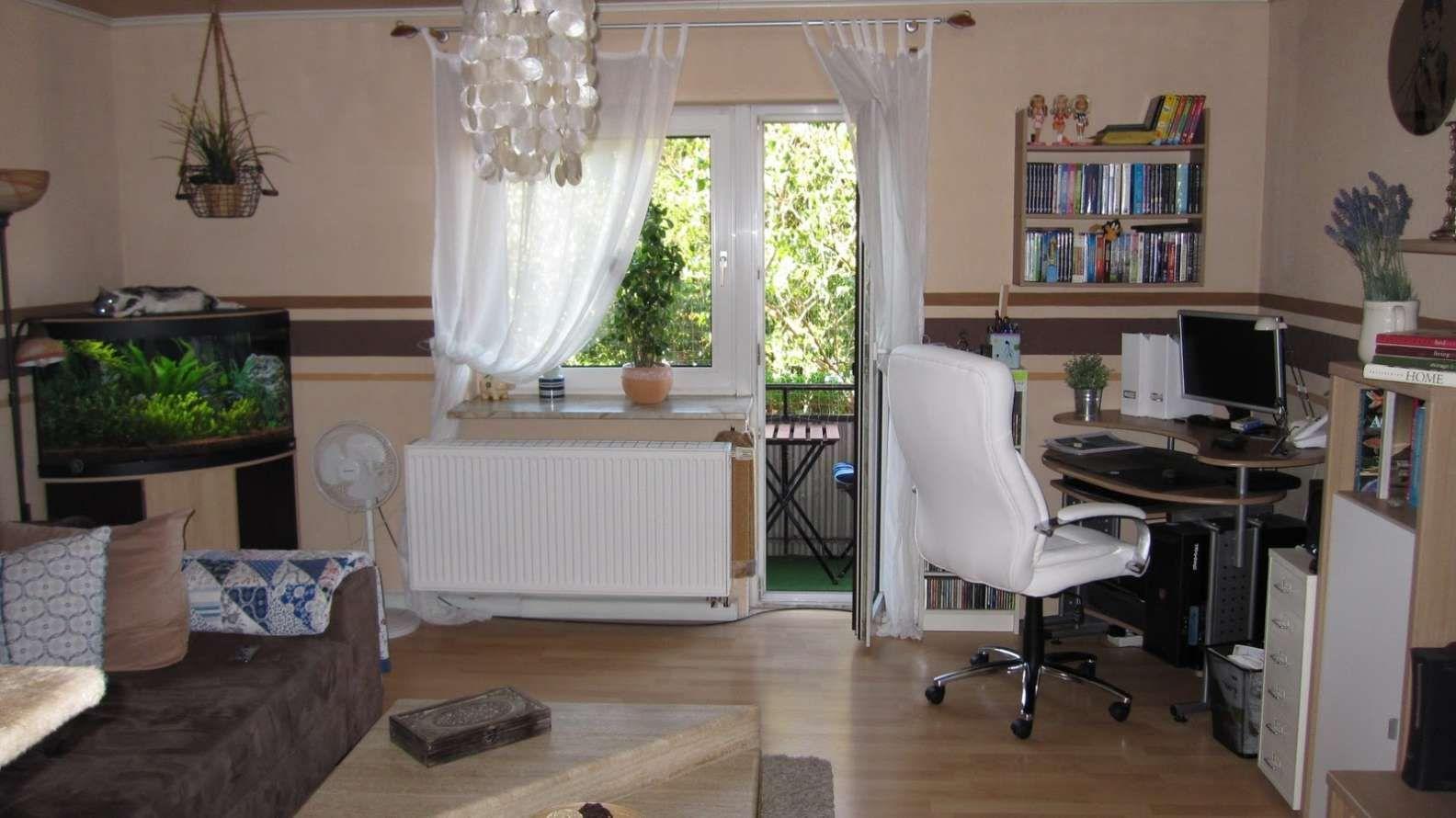 Das Schlafzimmer Gestalten Und Mehr Stauraum Schaffen Schlafzimmergestaltung Schlafzimmer Gestalten Schlafzimmer Einrichten