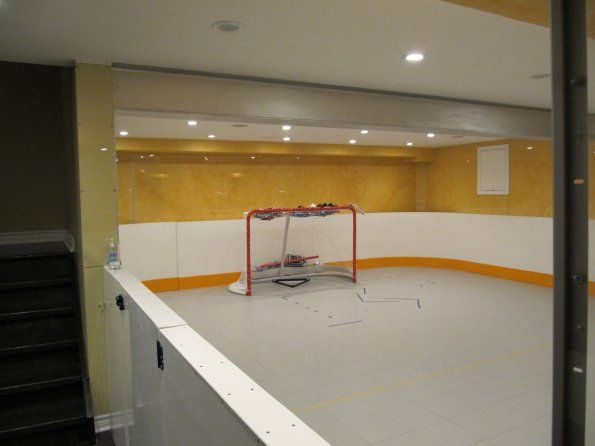 Basement Inline Hockey Rink This Is So Sick Hockey Room Ice Rink Inline Hockey