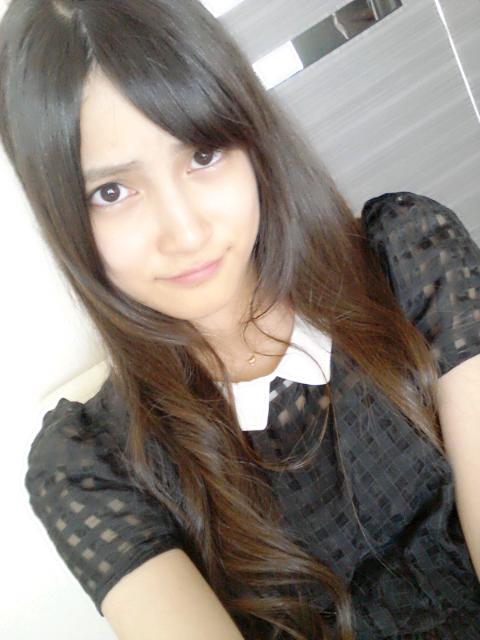 入山杏奈シースルーワンピで清楚な私服