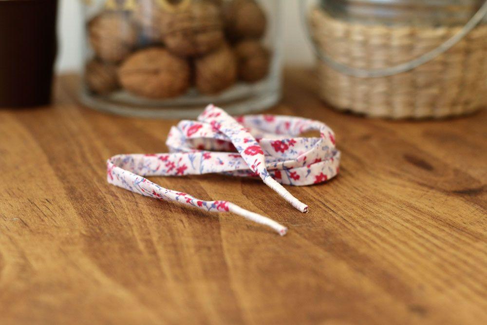 Tuto: réaliser ses propres lacets en tissu