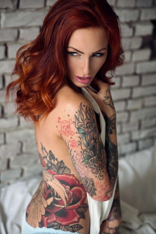 tatuajes masaje cabello rojo