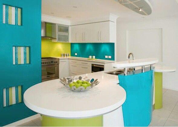 Cocina moderna en turquesa y verde diego ligia 39 s home for Cocinas verdes modernas