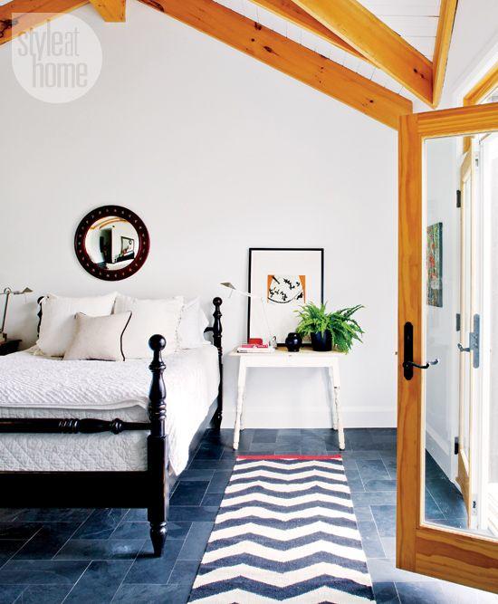 Interior quaint modern farmhouse