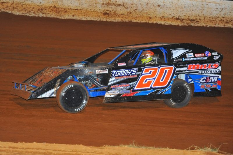 dirt modified berneil mills spent the month of july touring kentucky dirt tracks find out more. Black Bedroom Furniture Sets. Home Design Ideas