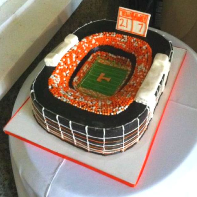 Our AWESOME groom's cake! Neyl...